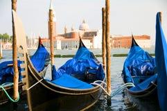 运河长平底船全部意大利威尼斯 库存图片