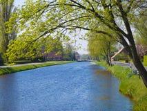 运河风景在弗里西亚 免版税图库摄影