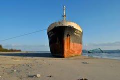 运河货物德国基尔石油船罐车 免版税库存图片