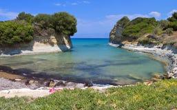运河d'amour海滩在科孚岛,希腊 免版税库存照片