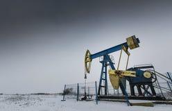 运行的油和煤气井 图库摄影