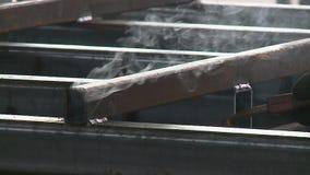 运转在融解车间的焊工 影视素材