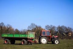 运转的拖拉机 免版税图库摄影