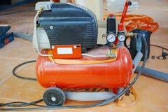 运转的流动空气压缩机 免版税库存照片