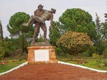 运载一位受伤的澳大利亚战士, Gallipoli的土耳其士兵 库存照片