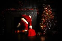 运载圣诞节克劳斯礼品例证晚上圣诞老人向量 库存图片