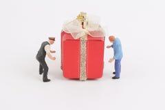 运载有图的礼物盒 免版税库存照片