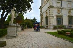 运输在圆顶场所的Borghese罗马Ital庭院里 库存图片