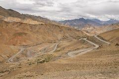 运输在Lamayuru的偏远地区moonland,拉达克, Jamm 免版税库存照片