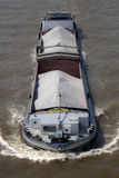 运输大块的驳船 图库摄影