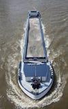 运输沙子的驳船 库存照片