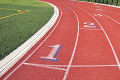 运输路线编号赛跑红色跟踪 免版税图库摄影