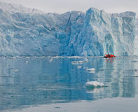 近小船冰川 免版税库存照片