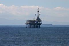 近海抽油装置 图库摄影