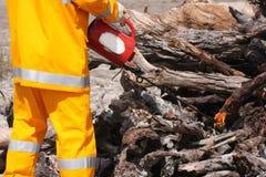 近火消防员开放木头 免版税库存照片