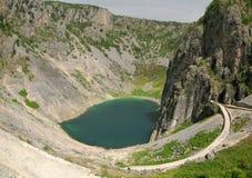 近蓝色克罗地亚imotski湖modro 库存照片