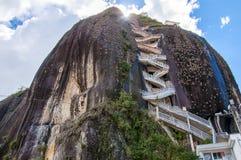 近Guatape岩石到麦德林在哥伦比亚 免版税库存图片