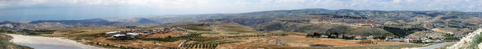 近Judaean沙漠到耶路撒冷,以色列 从Herodium Herodion堡垒墙壁的全景 免版税库存图片