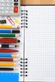 返回被检查的概念笔记本学校 免版税库存图片