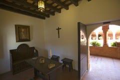 这个小的细胞是美国出生的地方,它是克里斯托弗・哥伦布和方济会修士见面了并且祈祷了15世纪Fr的地方 免版税库存照片