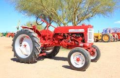 经典美国拖拉机: 国际收割机 库存图片