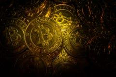这样a的金黄Bitcoins真正货币硬币图象想法 库存图片
