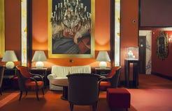 进入大厅在现代旅馆里 免版税库存照片