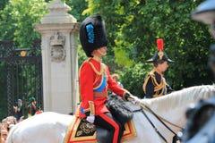 进军颜色,伦敦,英国, - 2017年6月17日;威廉王子,进军的查尔斯王子和安妮公主颜色游行  免版税库存照片