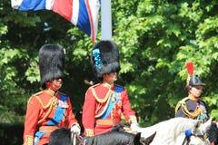 进军颜色,伦敦,英国, - 2017年6月17日;威廉王子,进军的查尔斯王子和安妮公主颜色游行  库存照片