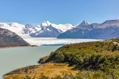 远的看法,佩里托莫雷诺冰川,阿根廷 图库摄影