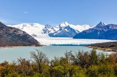远的看法,佩里托莫雷诺冰川,阿根廷 免版税库存图片