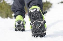 远足与起重吊钩的起动,冰上升的设备 免版税库存图片