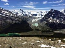远足冰山湖在罗布森山冰川附近落后,在Briti 库存照片