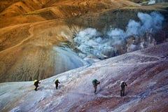远足在冰岛山 库存照片