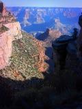 远足在大峡谷下 免版税库存照片