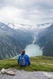 远足在阿尔卑斯 库存照片