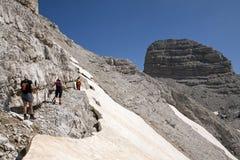 远足在阿尔巴尼亚阿尔卑斯 库存照片