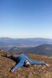 远足在高加索山脉 免版税库存图片