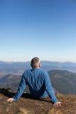 远足在高加索山脉 免版税图库摄影