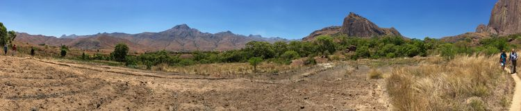 远足在Andringitra国家公园在马达加斯加 免版税库存照片