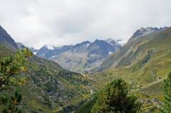 远足在Stubai阿尔卑斯在奥地利 图库摄影