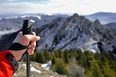 远足对山顶 免版税库存照片