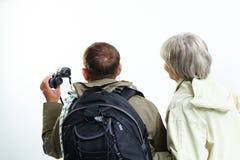 远足者后面  免版税图库摄影