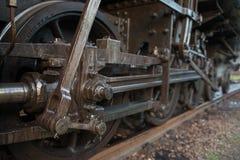 连动在轨道的蒸汽火车 库存图片