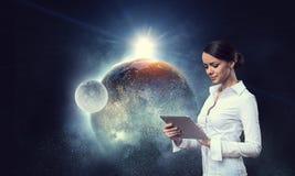 连接世界的技术 混合画法 免版税库存图片