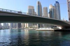 连接到迪拜小游艇船坞的桥梁 图库摄影