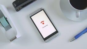 连接到WiFi的智能手机 股票视频
