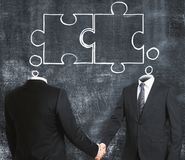 连接四个现有量合伙企业难题配合的概念 免版税库存图片