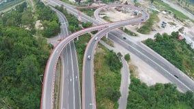 连接市区,空中飞越的路天桥 股票视频