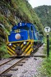 连接库斯科和马丘比丘的火车在秘鲁 库存图片